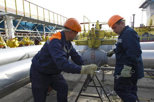 #Russia says #Ukraine should find money to pay for gas within a week http://t.co/U3qhjkmPVh http://t.co/0QVax6tpKL