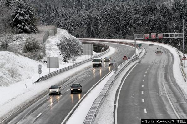 RT @PIXSELL: First #snow this season, #Delnice Croatia http://t.co/OJTi9el5Sc