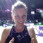 A very HAPPY Simona Halep! 1st win over a World No.1! #WTAFinals #TwitterMirror #tennis http://t.co/mG6EnzUXVL