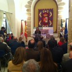 RT @DiputacionCC: Presentación en el Palacio de la Isla del nuevo aeródromo de Cáceres http://t.co/AtDKe8zDx6