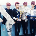 RT @allkpop: #VIXX take home the trophy on Show Champion for Error http://t.co/iGG2TA5zy0 http://t.co/ngKwXff8y4