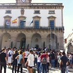 En la huelga estudiantil de Cáceres lxs estudiantes se concentran frente al ayuntamiento de Cáceres. http://t.co/8Oqx4hC4DO