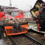 В Лобне неизвестный угнал электричку и попал в аварию http://t.co/HdJtuFwa4X http://t.co/olOdkOg42J