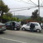 Accidente 3 autos 1 furgon 1 micro varios lesionados los carrera parada 28-29 @biobio @ucvradio @Cooperativa http://t.co/UVIrUKuRHS