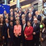Family picture of new @JunckerEU @EU_Commission. New team for #Europe! http://t.co/pB6Kk4pJX5