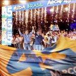 """""""Sou o candidato da esperança de milhões de brasileiros"""", afirma @AecioNeves em Goiânia http://t.co/J5i5zntT5u http://t.co/v0LSkmvv0S"""