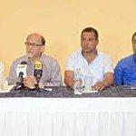 RT @DiarioCaribazo: Alcaldes MUD BuscanSalidaACrisis @DarvelisLarez @richardfermin @JRDiazHernandez @alfreditodiaz http://t.co/PhPKb6pZw6 http://t.co/h4tiD1YrnV