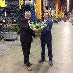 Wethouder Economie @ajflach feliciteert vandaag Plus Retail, Plus Hoogambacht en Plus Louwersplein #100jaar http://t.co/sfKSJug25p