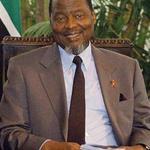 ????RT @zenaidamz Former president of #Mozambique, Joaquim Chissano, turns 75 today. Happy Birthday, Mr President!!! http://t.co/pKyA37g9th