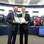 Neue @JunckerEU Kommission erhält grünes Licht (423/209/67). Amtszeit beginnt am 1. November:http://t.co/lzxVXQP3Cm http://t.co/ZYby2GWBSe