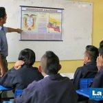 """Colegio 27 de Febrero fortalece el civismo en sus educandos """"Día del Escudo""""@lahoraecuador @primereporte @Wilson88dj http://t.co/oAEpE6KSzr"""