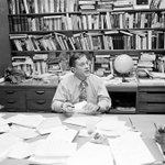 RT @nytimes: The NYT obituary for Ben Bradlee, editor of the Washington Post (Photo: Mike Lien/NYT) http://t.co/3QXFvJliaR http://t.co/FMGbQvJEvJ