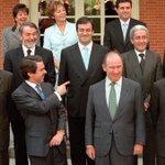 RT @JPuigdengolas: El 75% del Govern Aznar està imputat, va cobrar sobresous o dorm a presó via @publico_es http://t.co/QWLXUUEll7 http://t.co/p3Tex6KbSZ