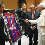 RT @JornalOGlobo: Após 7 a 1 sobre a Roma, jogadores do Bayern são perdoados pelo Papa. http://t.co/4S1wtG3Xnk http://t.co/RX5bSCJXOu