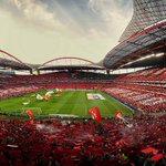 RT @DiogoVaranda222: O estádio mais bonito da Europa, invejem agora #CarregaBenfica http://t.co/NbPN4B3wT3
