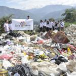 @letsdoit inicia operaciones ambientales en @bucaramanga su sede es la @carcdmb #limpiezaaconciencia http://t.co/J1gIysOBX0