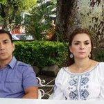 Exalcalde y su esposa esposa son responsables de desaparición de normalistas: Murillo Karam http://t.co/VZ4qZnCQwN http://t.co/rtJDsEDOvZ
