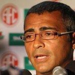 "RT @cmeyreles: ""@JornalOGlobo: Pedindo 'mudança', Romário enfim grava apoio a Aécio. http://t.co/OYi1DKBRDu http://t.co/5E2t8Me8n2"""