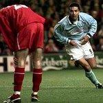 8-12-1999 el Celta vencía al Liverpool en Anfield con gol de Revivo y eliminaba a los Reds de la UEFA. http://t.co/P6eeGpbalD