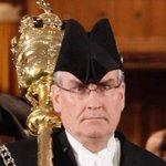 RT @CBCToronto: Kevin Vickers hailed as hero who took down attacker http://t.co/qIDq2LcXkf #OttawaShooting #cbcto http://t.co/Qo5E24X9ZS