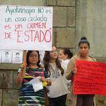 Protestas hoy frente a la embajada de México en Managua @Montesof @DanaeVilchez http://t.co/vfLsyhxVXw
