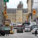 [ACTUALISATION] Canada: fusillade au Parlement, un militaire et un assaillant tués http://t.co/MbG9AMwzBb http://t.co/N8lEbf6iPQ #AFP