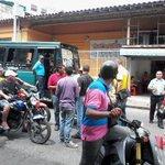 RT @maryfeliza: #22Oct BUHONEROS SON APOYADOS POR COLECTIVOS #BARINAS, BAJAN LA SANTAMARIA DE TODO EL CENTRO http://t.co/ziWKi9NBsm - via @ResisteBarinas