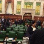 Des députés canadiens barricadés au Parlement d#Ottawa @ctvottawa #ottawashooting http://t.co/TghZFA6Twe