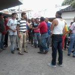 """RT @vaneortega21: RT""""@ResisteBarinas: SE LES CAYO LA CARETA LIDER DE LOS BUHONEROS DICE SER MANDADO POR @Adan_Coromoto #BARINAS #22O http://t.co/Ho3TDzVTcG"""""""