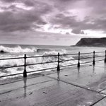 RT @msbeps: Trying not to get soaked at North Bay, the power of the sea was incredible @Scarborough_UK @DiscoverCoast http://t.co/Uw4sjtLIgA