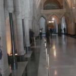 VIDÉO - Les premières images de la fusillade du Parlement canadien > http://t.co/y0h4hFrijt http://t.co/cJGISHB16m