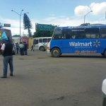 """RT @RIVAC_OAX: """"@frank_voces: Bloqueado el crucero del estadio con al menos 6 autobuses utilice vías alternas http://t.co/HLMbdGTusr"""""""