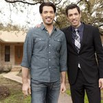Happy Hump Day! @HGTV US has a @PropertyBrother marathon today starting at 1pm e/p! Whos watching?? http://t.co/1wFwUoy8Io