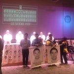 """RT @PrensaIbero: Comunidad de @IBERO_mx exige """"Vivos se los llevaron y vivos los queremos"""" #AyotzinapaSomosTodos http://t.co/cxVBtXQJlM"""
