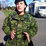 Capitaine Marie-France Poulin confirme la sécurité accrue à Valcartier. Fouilles aléatoires à lentrée. #rcqc http://t.co/8pWCcHUWCa