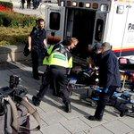 RT @BFMTV: Fusillade au Canada: le soldat blessé par balles est mort http://t.co/NdmVYQEKCp http://t.co/L0GAgD84Kw