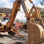 PRECAUCIÓN Rehabilitamos alcantarilla en J.Lpz.Alavez-Río Bravo Col.La Cascada. #Oaxaca @GobOax @SINFRAOaxaca http://t.co/C5iI1BqcD2