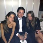 RT @Intereconomia: Champán, esmoquin y niñas guapas... Las glamurosas fiestas del pequeño Nicolás http://t.co/hiZcjYkJe3 http://t.co/kXIyApfmLw