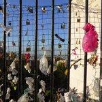 Des cadenas à Montmartre http://t.co/v9i2e25vQd #Paris #Paris18 #Montmartre http://t.co/IdoIzx14Ab