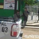Policía municipal de Cuilapam no encontró la supuesta bomba en la prim. Francisco I. Madero vía @bellsbarrera http://t.co/1WiqdsufCi