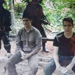 """Arlan Fick y el suboficial Edelio Morínigo en la """"cárcel del pueblo"""" @nanduti http://t.co/9s1MEwEPqT"""