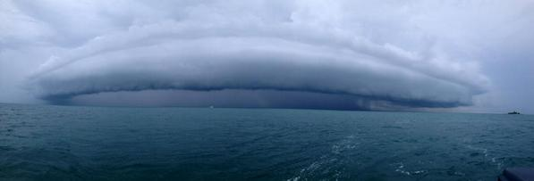 Andrea Butera (@AndreaButera): @JimCantore MT @NWSKeyWest: Shot taken by Jan Morris outside of Marathon at ~12:30pm on 10/22/14. #flwx #keywest http://t.co/UnN50jsN1D
