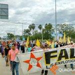 Marcha FALP de Ciudad Administrativa al crucero del IEEPO, anuncian bloqueo #Oaxaca http://t.co/YemSKuZFMQ