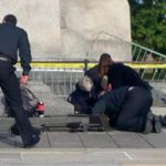 RT @CBCNews: UPDATE: Parliament Hill attack: Soldier dies of injuries, gunman shot dead http://t.co/pp6hcfWcRw #OttawaShooting http://t.co/P0DfYqt63V