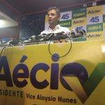 """RT @AecioNeves: """"Espero que as pessoas respondam nas urnas a essas calúnias que aí estão.""""#Aécio45 http://t.co/LOHEjMULvI"""