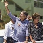 RT @folha_com: Funcionária de banco federal usa e-mail corporativo para ato pró-Dilma. http://t.co/JQp9nT3BLF http://t.co/glnA5BY2lA