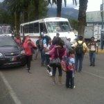 Maestros de la Sección 22 extienden bloqueos a cruceros de fonapas y Manuel Ruiz. #Oaxaca http://t.co/9l7EntyQWx