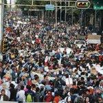 FOTOS: #EPNBringThemBack Las manifestaciones en el mundo exigiendo #JusticiaParaAyotzinapa http://t.co/4hdyKTHI3b http://t.co/YRyFg0SSSU
