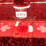 The Pittsburgh Penguins paid tribute to Canada tonight at their game against the Philadelphia Flyers.#OttawaStrong http://t.co/6iYrUc5CDv