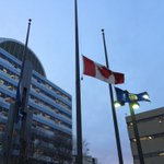 Edmontons deputy police chief set to talk to media at 6:50pm. Flags at half mast at EPS HQ #yeg #OttawaShootings http://t.co/bscqj4DNxN